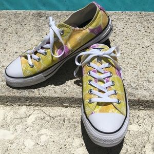 40296baed8d9 Converse Shoes - Converse all-star fruit slice women s 9 NWT rare!